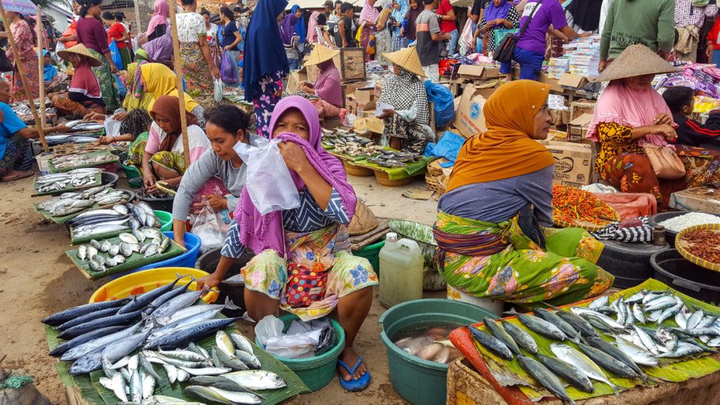 Local-market-Ampenan